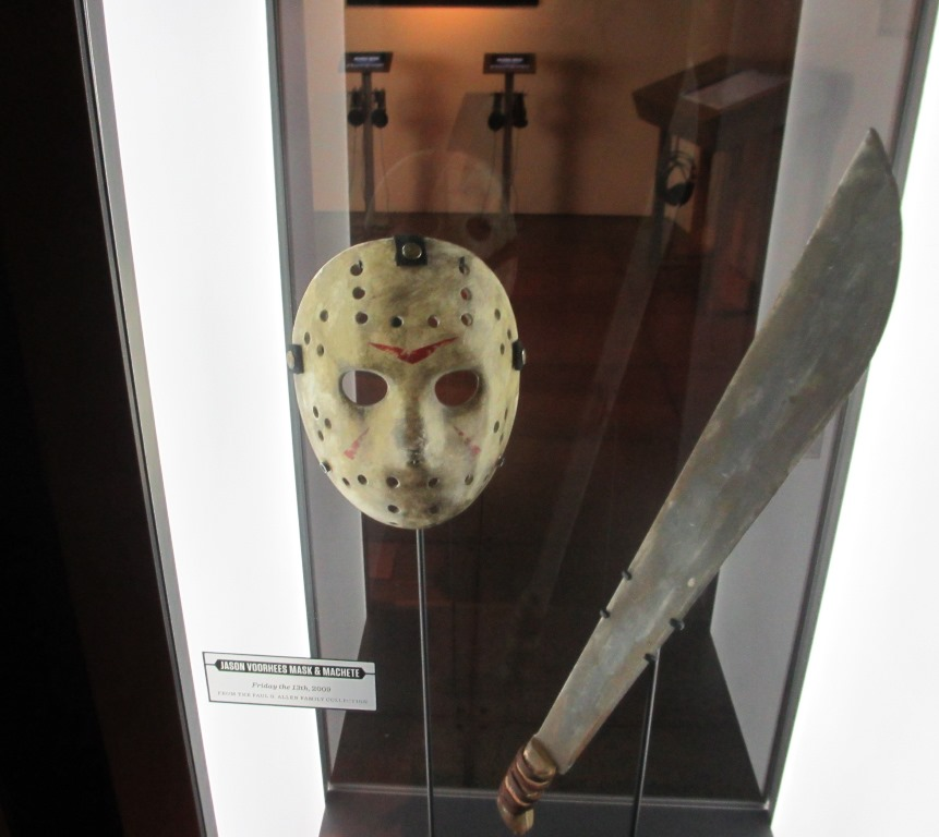 Jason Voorhess mask and machete from 'Friday the 13th' (2009).